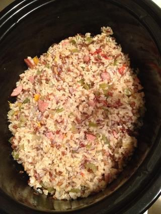TA-DA !!! Arroz integral saludable y húmedo. Lo mejor que'll ever have! You can sub the sausage for chicken. Enjoy!!!