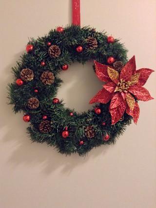 En una nota !!! Echa un vistazo a la corona que hice: D'm all ready for the holidays are you??!
