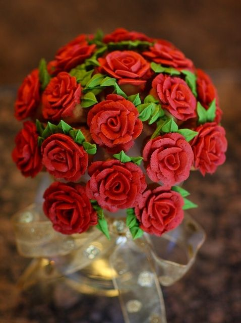 Cómo hacer de la magdalena de las rosas para San Valentín's Day Recipe