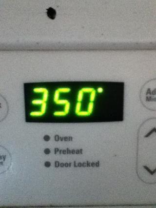 Precaliente el horno a 3: 50 * y hornear hasta que un cuchillo insertado en el centro salga limpio