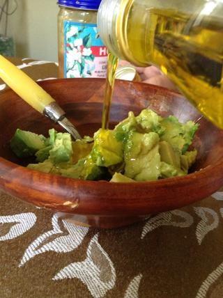 Añadir 1/3 taza de aceite de oliva virgen