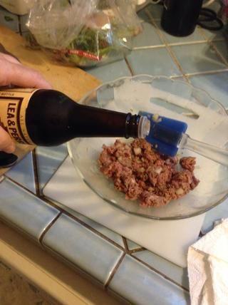 Añadir un par de toques de salsa inglesa.