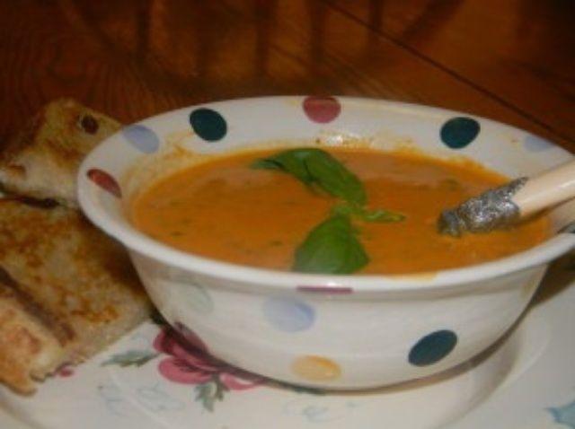 Cómo hacer asado delicioso tomate Sopa Receta