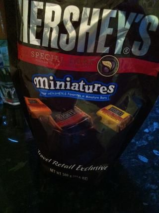 no podría't find chocolate chips so I used Hershey's miniatures...