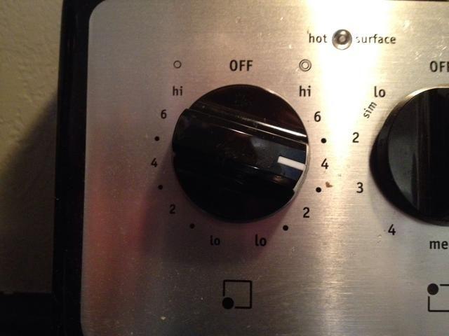 Precalentar una sartén de fondo pesado a fuego medio, rocíe con aceite en aerosol