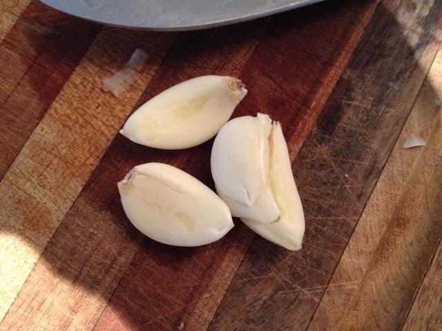 ¡Sal de ajo (utilizar tanto como se adapte a su gusto) Usé 3 dientes