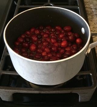 Combine todos los ingredientes y cocine a fuego medio durante 15 minutos