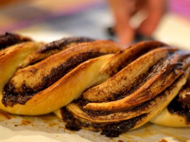 Cómo hacer fácil Nutella trenzado Pan Receta