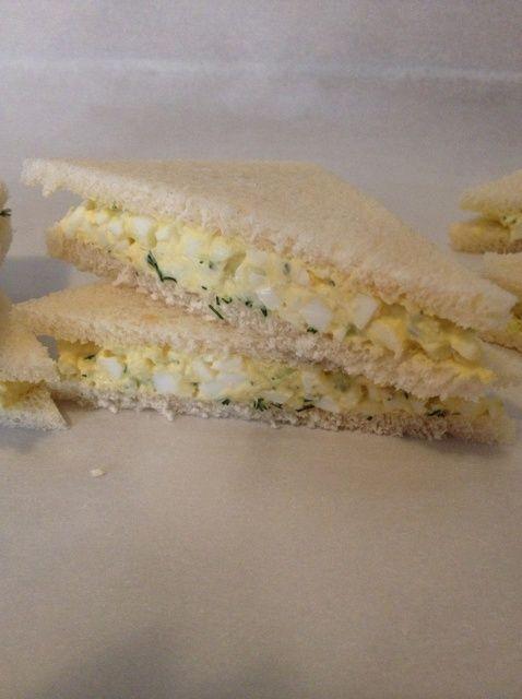 Cómo hacer sándwiches de ensalada de huevo Receta