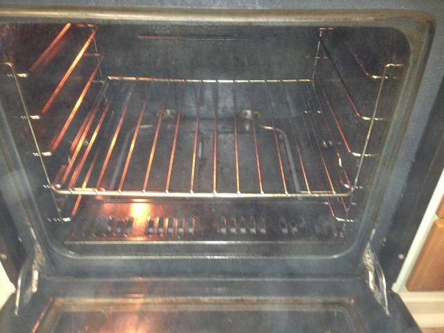 Caliente el horno a unos 220 Pre grados Celsius