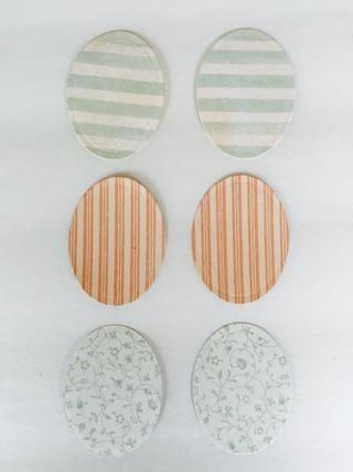 De Bebé 2 Novia, retirar el papel con rayas azules ligeros y de papel con fondo blanco y vides azules. Papel raya rosada es de la almohadilla de la primavera. Utilice 2