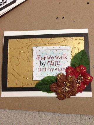 Publique sus pieza decorativa, como estas flores y las hojas!