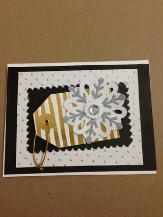 Usted puede incluso agregar otra hoja de papel negro para hacer realidad el pop etiqueta de regalo!