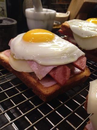 Algunas personas, como con una sola rebanada de pan. Hazlo si crees que hace que sea más saludable.