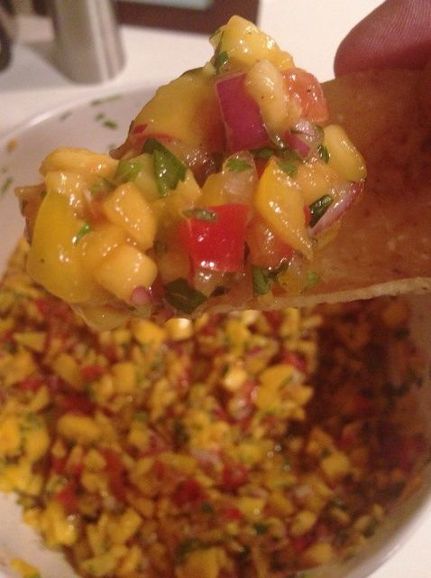 Cómo hacer Fresh Peach Mango Salsa Receta