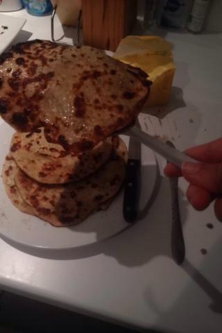 Servir con curry o lo que quieras! El sabor tan bueno. También conocido como el pan naan.