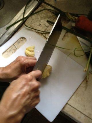 Picar el jengibre