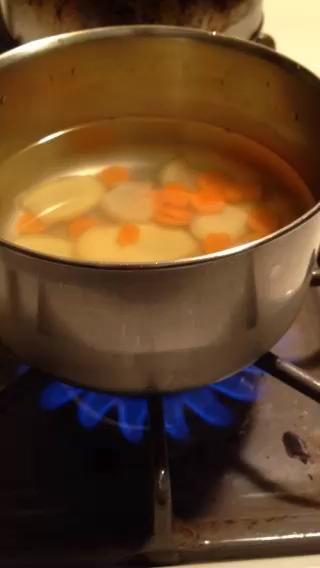 Llevar a ebullición a continuación, encienda fuego a medio durante 10 minutos.