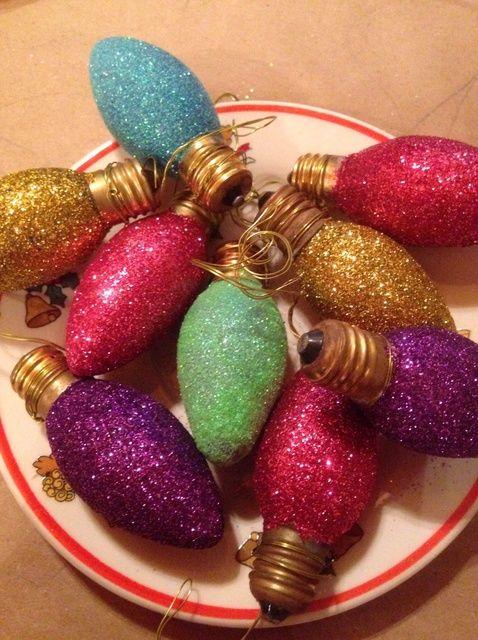 Cómo hacer que la luz de Navidad Glitterry Adornos.