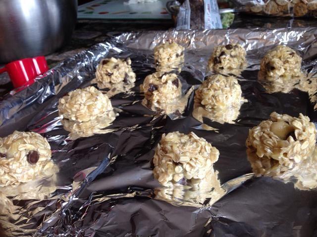 Hornee estas deliciosas galletas en horno de temperatura de 350 grados durante 10-15 minutos
