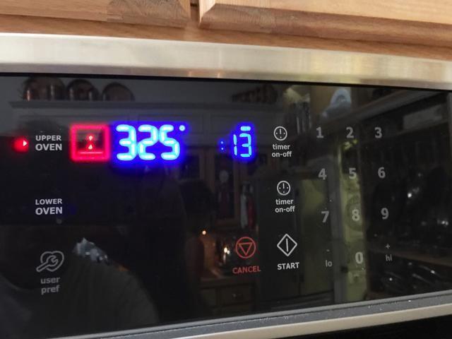 y hornear durante 13 - 15 minutos, girando la hoja a unos 7 minutos. El ajuste horno de 325 ° muestra debido a la conversión de convección. Sea cual sea su horno requiere para hornear hasta que la mirada como ..