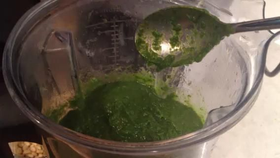 Video 3 - verduras y el caldo después de un giro en el VitaMix.
