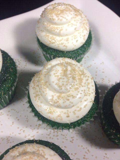 Cómo hacer Verdes Velvet Cupcakes de San Patricio's Day Recipe