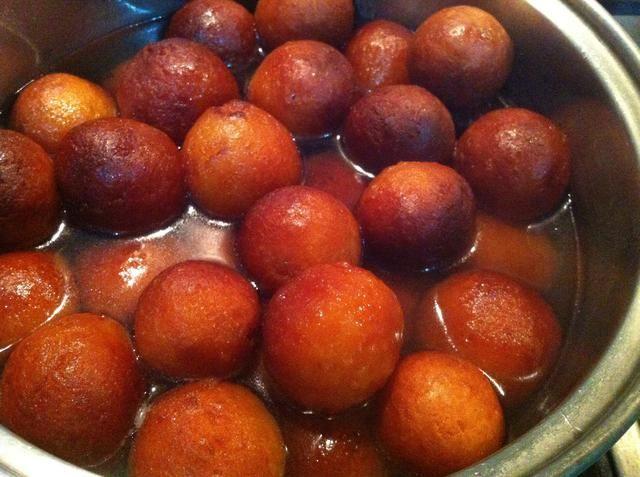 servir y disfrutar realmente de muy delicioso y suave jaman Gulab textura