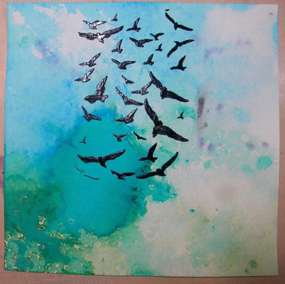 Pinturas Arte Antología son la consistencia perfecta para usar con las plantillas. Los pájaros se levantan levemente cuando está seco. He añadido un poco más a la derecha después dejé que éstos seco.