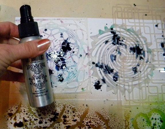 ¿Ver? Nunca me pinto las uñas, porque en cuestión de horas que están en mal estado! De todos modos, seguir pulverización coloraciones en los stencils. Tuve un poco de problemas con la alondra!