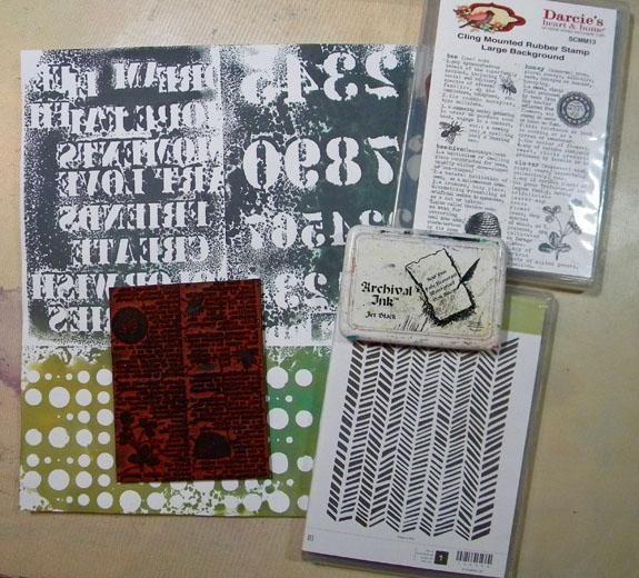 Decidí agregar algunos sellos de fondo para el papel. Yo no't mount the stamps on acrylic blocks, but just stamped parts of them onto the paper using a rolling motion.