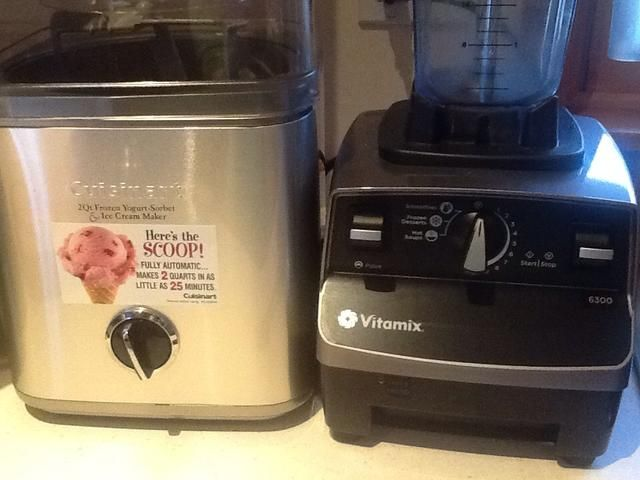 Yo uso estos dos una y otra. Refrigere la mezcla 2 horas a toda la noche.