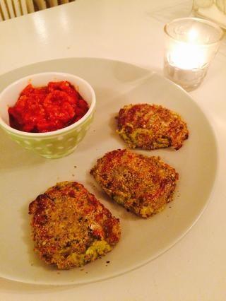Servir con salsa de salsa / tomate en el lado. Disfrutar ????????????