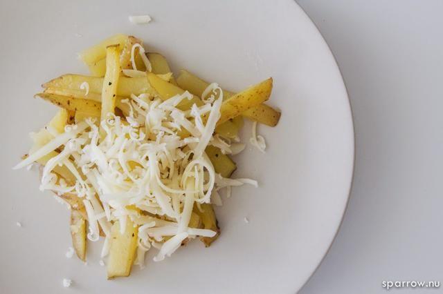 Agregue el queso.