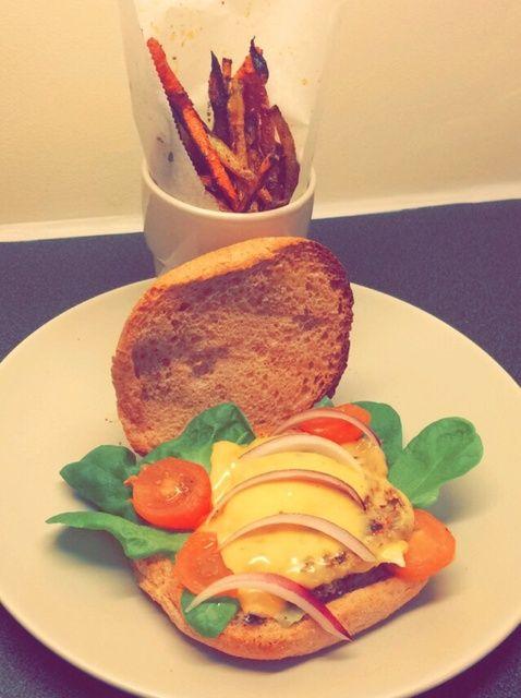 Cómo hacer sana y sabrosa hamburguesa vegetariana con la zanahoria Fries Receta