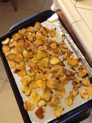 Después lugar parboil en bandeja de horno y la temporada para arriba al gusto! Estos horno hornear a 350 grados durante unos 20 a 25 minutos o hasta que consiguen un bonito color dorado.