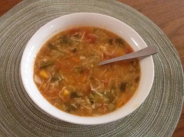 Cómo hacer sopa vegetal calurosa Receta