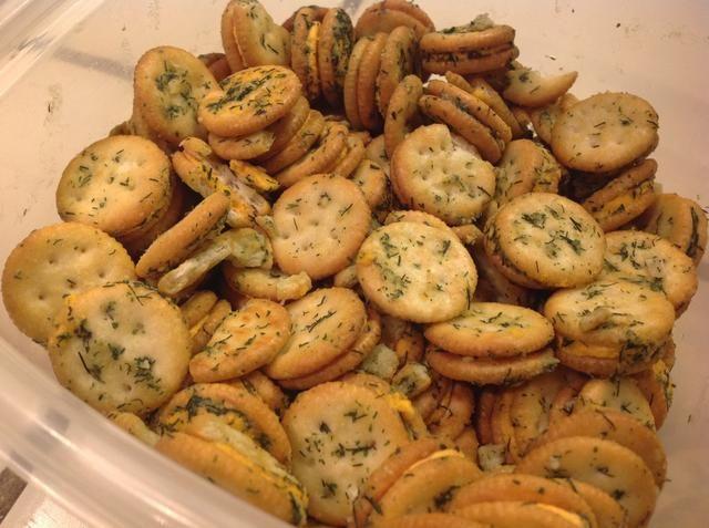 Deje galletas vienen a temperatura ambiente antes de servir. (A pesar de que son tan buenos frío!) Conservar en el recipiente tapado en el refrigerador. Cuidado ... estos son adictivas!