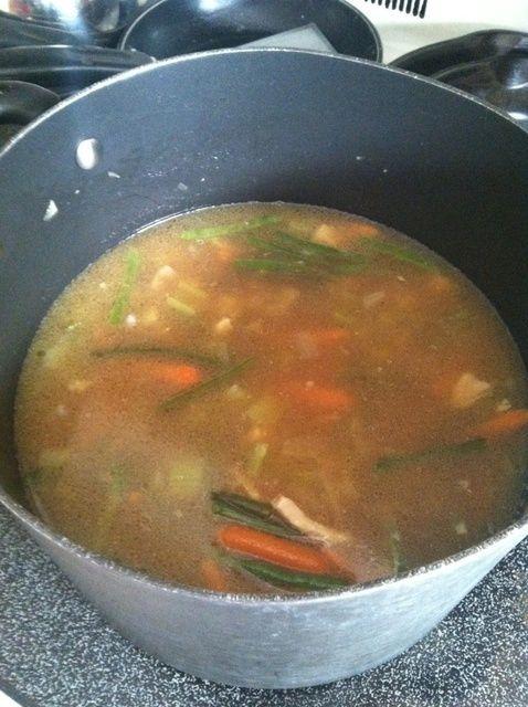 Cómo hacer sopa de pollo Receta Casera