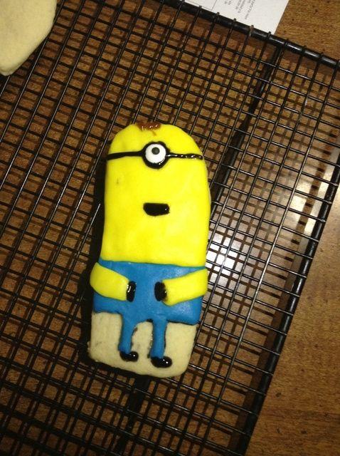 Cómo hacer las galletas hechas en casa con una receta Minion Diseño
