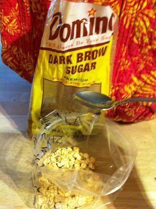 ..y 2 cucharaditas de azúcar morena ..