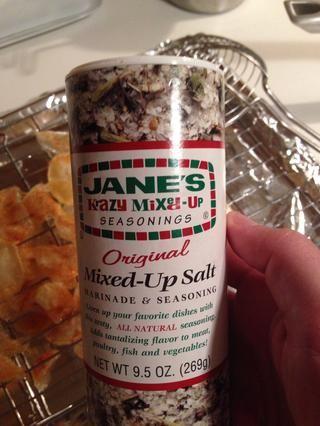 Coloque las fichas en el rack y obtener su sal condimento listo. En mi casa, usamos esta materia en casi todo. Es tan bueno!
