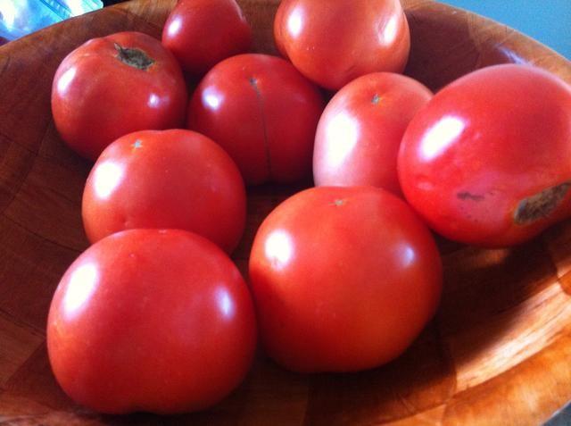 Terminé hacer puré 2cups y cortar en cubitos 2 tazas de tomates grandes (4cups en total) y añadí un puré 1/2 taza de romas bebé.