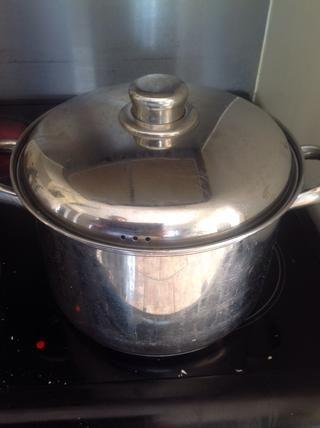Cocine a fuego lento durante 45 minutos - 1 hora. El más largo es el mejor.