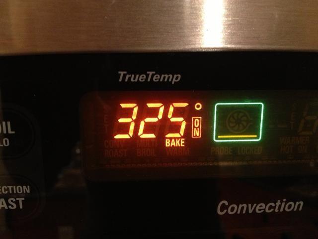 Precaliente el horno a 325 grados F