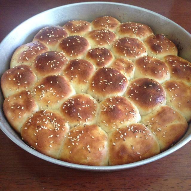 El pan debe tener este aspecto después de sacarlos frm el horno.