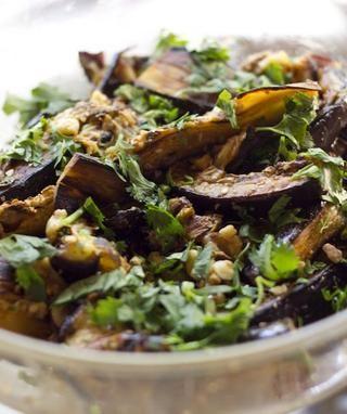 Mezclarlo todo bien hasta que todas las especias se mezclan en. Esparza 3 cucharadas de cilantro fresco picado por encima de todo y's done. Enjoy.