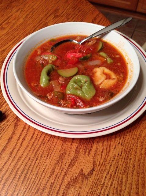 Cómo hacer italiano Salchicha Tortellini receta de la sopa