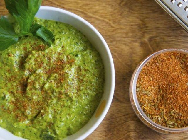 Cómo hacer Jalapeño y Cilantro Pesto W / Smokin' Chipotle Recipe