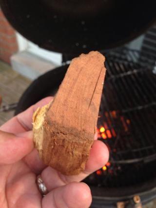 Consiguió la madera? El uso de mezquite aquí, esto o nogal hará. Una madera de fruta ganó't be strong enough.